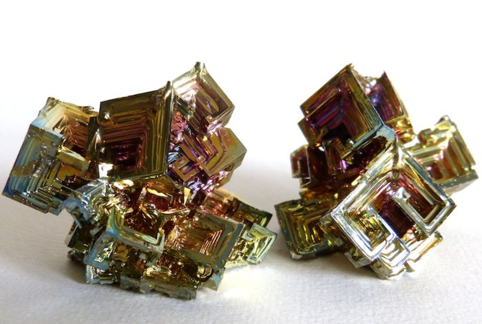 Bismuth Collectible minerals - 5 x 3.6 and 3.5 x 5.6 cm - 176 g - (2)