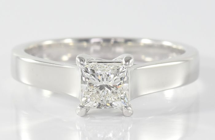 18 kt. White gold - Ring - 0.45 ct Diamond Solitaire - F/VVS - As new!