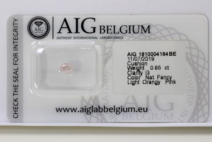Diamond - 0.65 ct - Cushion - PINK - * NO RESERVE PRICE *