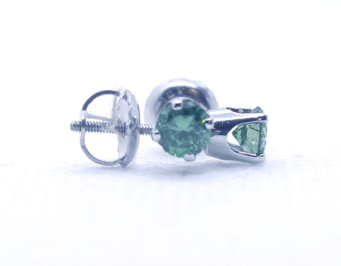 Fancy Green - 14 kt. White gold - Earrings - Colour Treated 0.43 ct Diamond