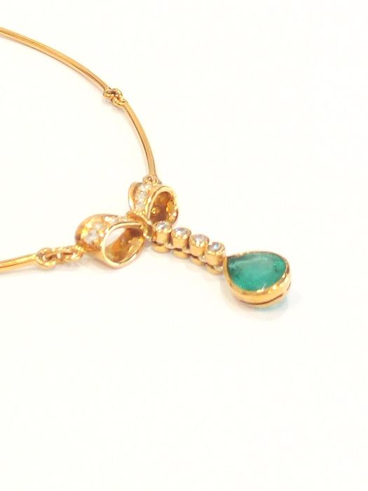 18 kt. Yellow gold - Necklace Emerald - Diamonds