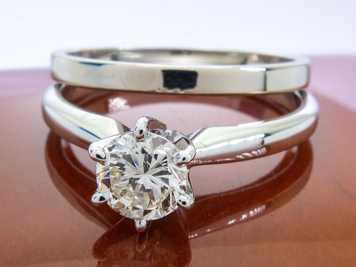 14 kt Gold - 0,50 ct - Diamantring-Set mit 0,50 Karat Zentrum.