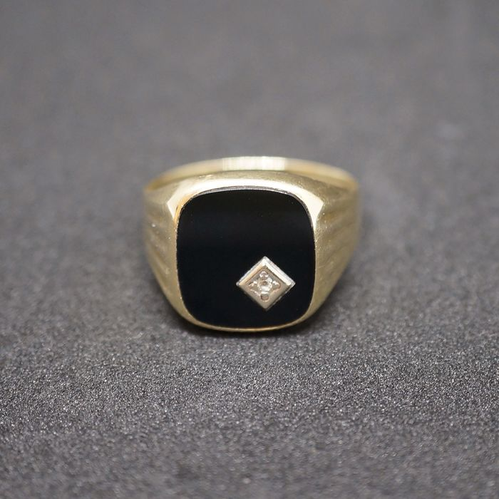 14 kt. Gold - Ring - Onyx