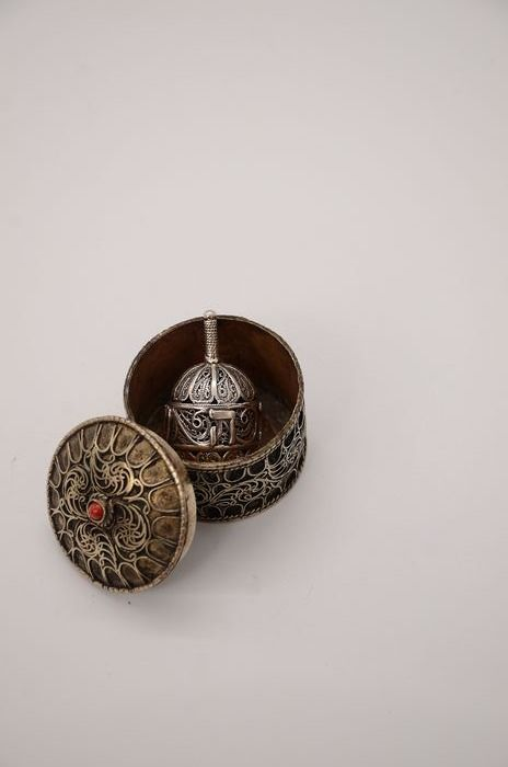 Dreidel in a box - .925 silver - probably Romania - 20th century