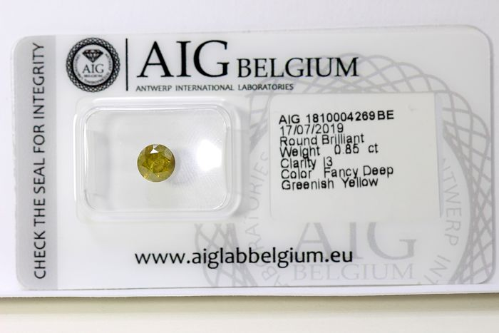 Diamond - 0.85 ct - Brilliant - ( Color Treated ) - Deep Greenish Yellow  - * NO RESERVE PRICE *