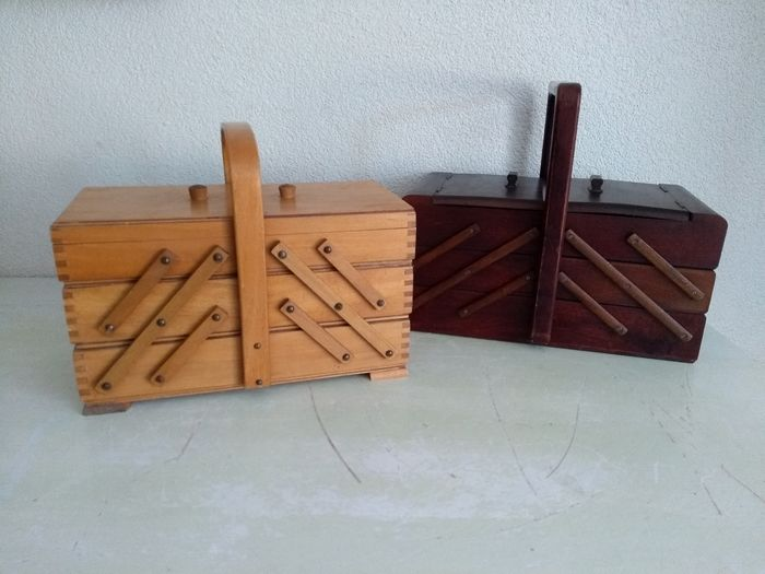 Two beautiful sturdy vintage wooden sewing boxes - Wood