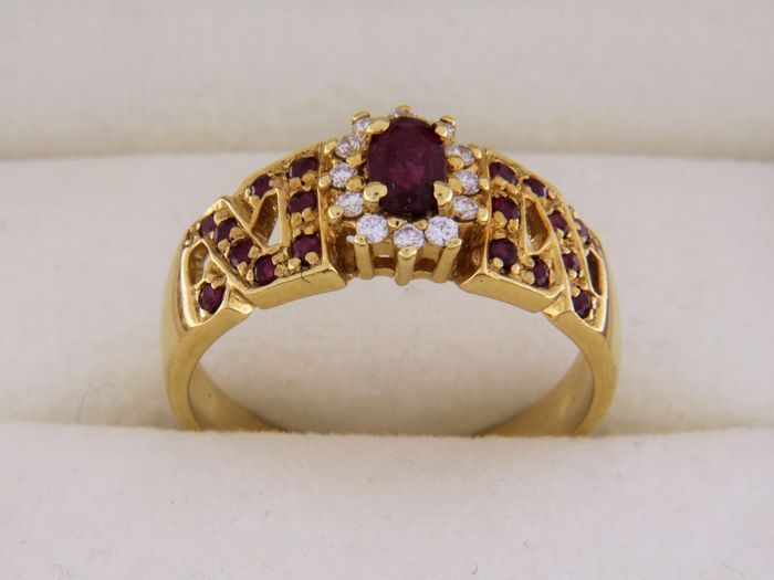 evagold - 18 kt. Yellow gold - Ring Ruby