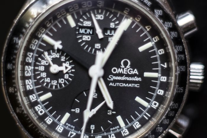 Omega - Speedmaster day date - Men - 2000-2010