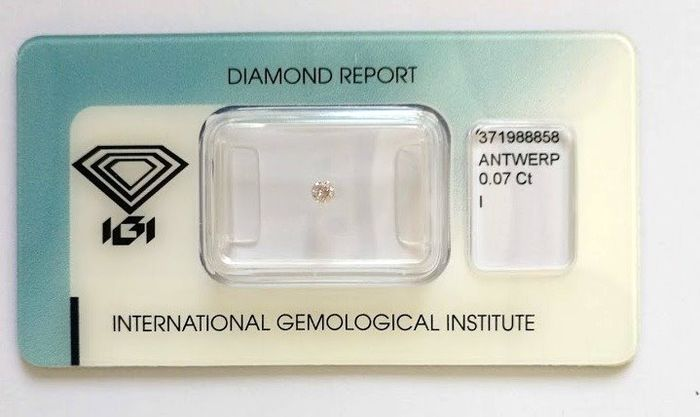 1 pcs Diamant - 0.07 ct - Brillant - Very  Light    Pink  - Not mentioned on the certificate