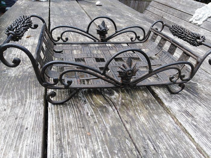 A hand-forged tray / serving dish brocante - Iron (cast/wrought)