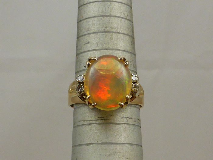 9ct Or jaune - Bague - 3.20 ct Opale - Diamant