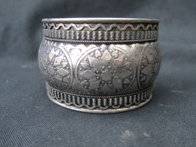 Silver - bracelet with Eastern influence