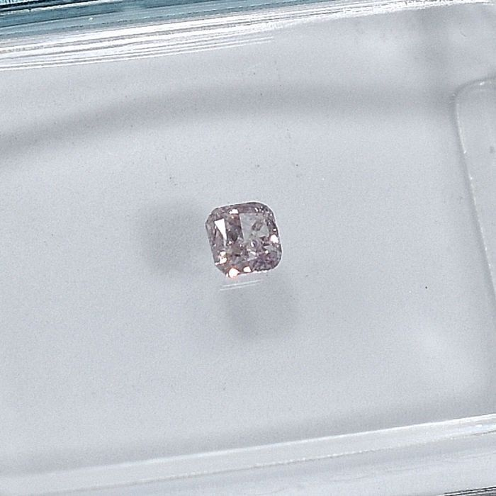 Diamant - 0.09 ct - Square cushion - Natural Fancy Light Pink - I2