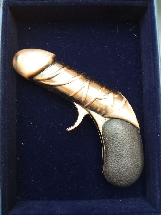 Vintage erotic lighter, in the shape of a Pistol / Phallus