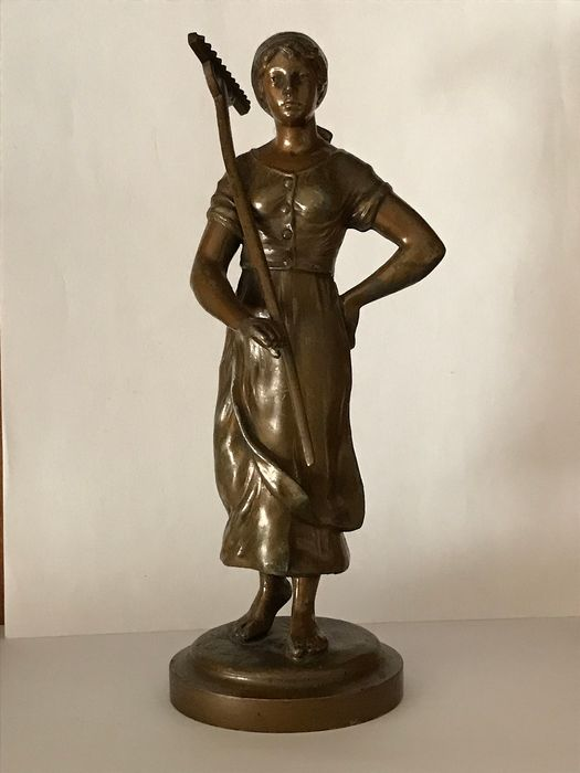 Sculpture, Bronze sculpture - Peasant woman with a rake (1)