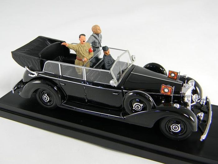 Mini Miniera - 1:43 - German 1938 770K Grand Mercedes Ceremonial Parade Limousine - met figuren van Hitler en Mussolini