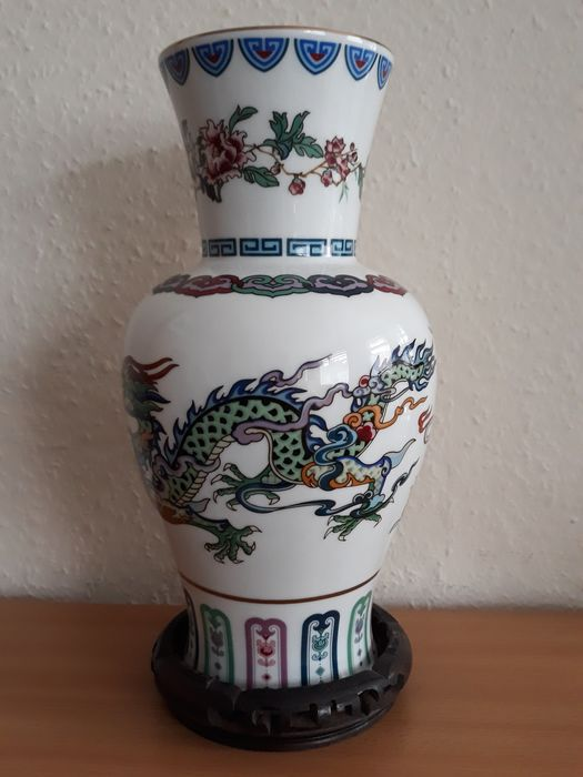 Chien-Ying May - Franklin Mint - Vase, The Dance of the Celestial Dragon - Crystal, Goldplate