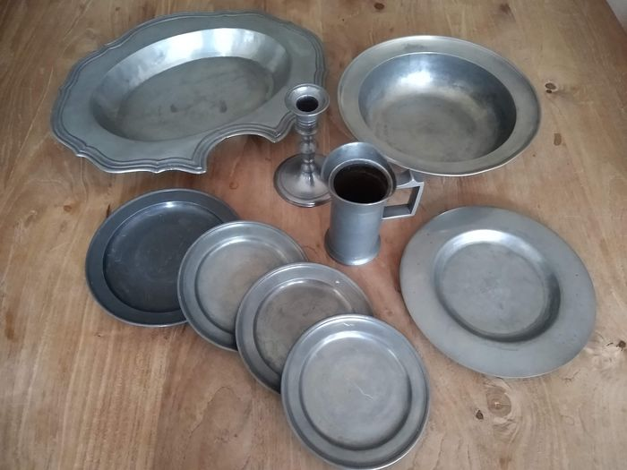 Johannes van Mourik - Party pewter utensils and decorative items - Tin
