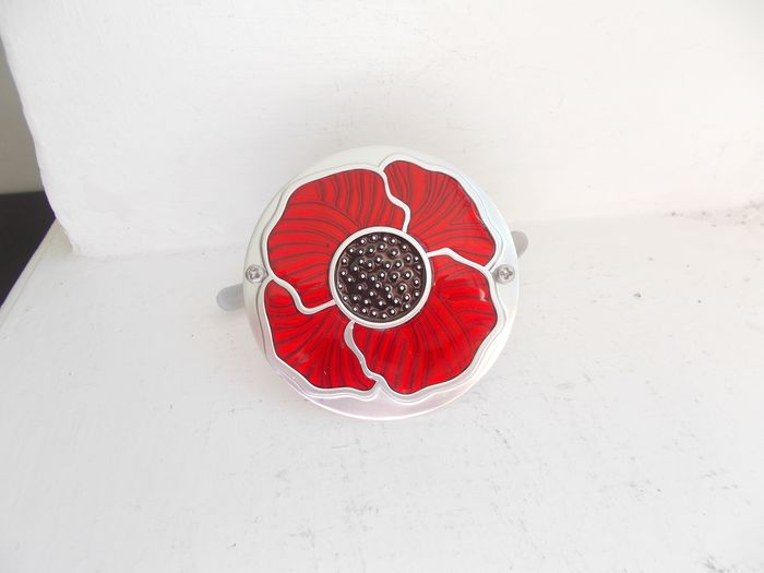 Badge - Vintage Poppy chrome alloy and enamel  car grille badge with fixings  - 1970-1980
