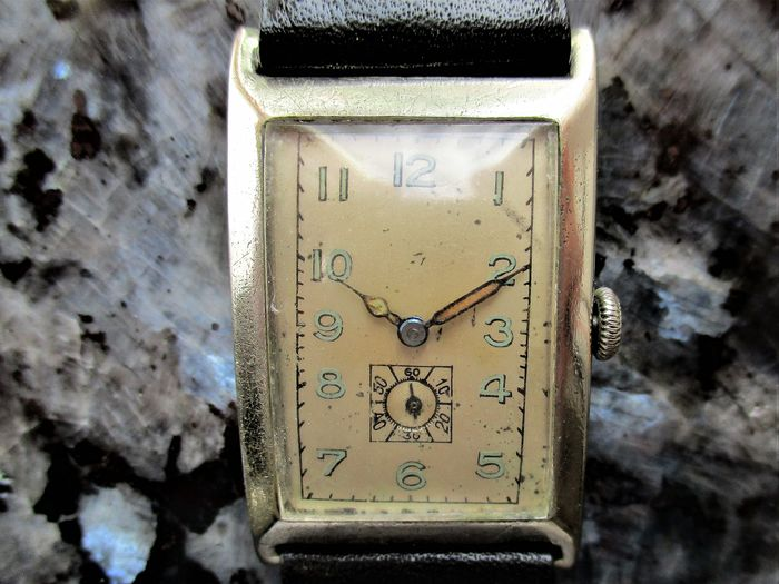 M I M O (Girard Perregaux & Cie. / Mimo Watch Factory; La Chaux-de-Fonds & Genève, SUISSE)  - 'CURVEX' Case Officer's Dress Watch - ? 6 9 6    9 0 3 - Men - Circa 1939/40 - Third Reich
