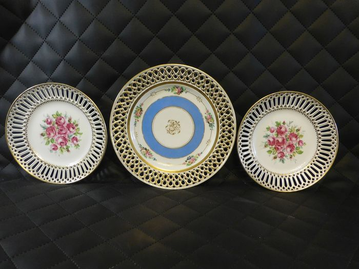 Thun Klösterle - 3 breakthrough plates - Porcelain