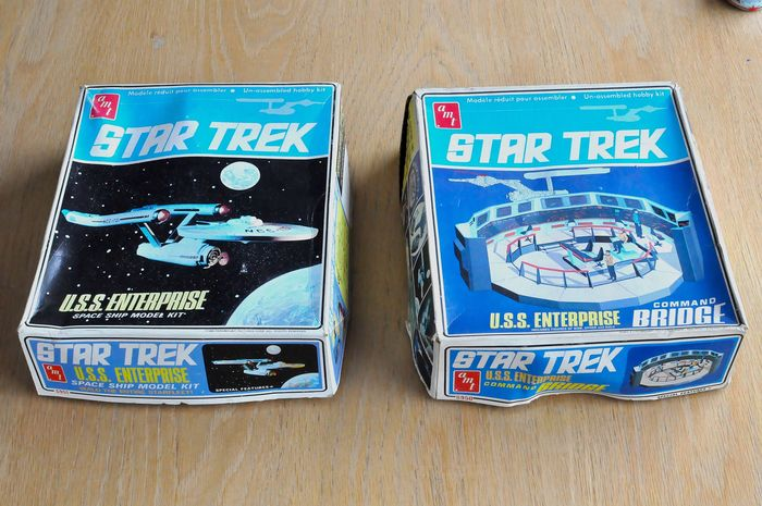 "- Star Trek - Classic TV - Vintage toys  ""Enterprise"" and ""Command Bridge"" (1968)"
