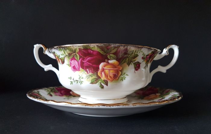 Royal Albert - Soup cups with saucer - Old Country Roses - Porcelain