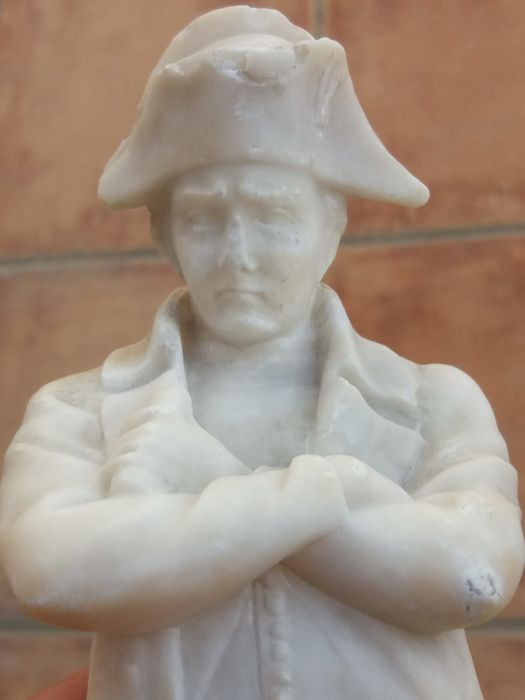 Napoleon Bonaparte - White marble sculpture - Late 19th century.
