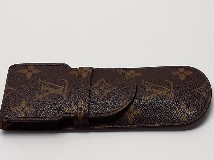 Louis Vuitton - Leather cover