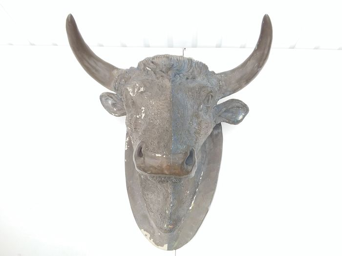 bull from a butcher's shop. (1) - plastic