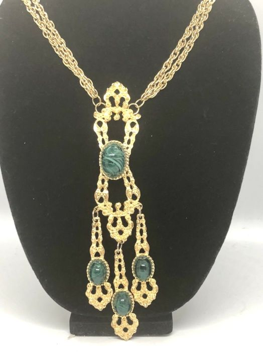 Les Bernard - Necklace, with green cabochons