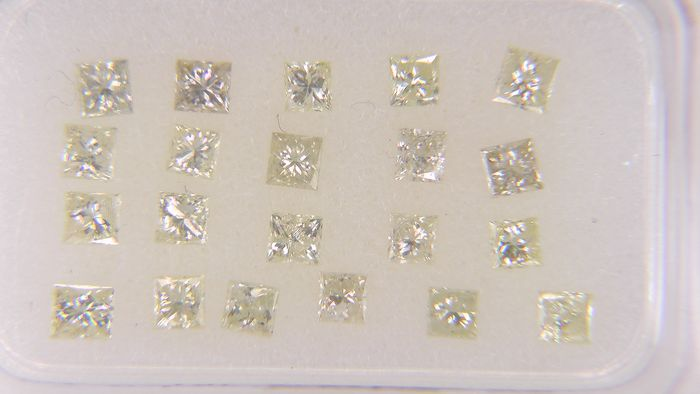 21 pcs Diamond - 1.05 ct - Princess - Natural Fancy Mix Yellow - SI3, VVS2, No Reserve Price!