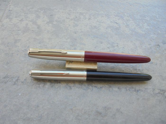 Parker - Fountain pen - two feathers parker 21 arrow clip the last one is the bordeaux of 2