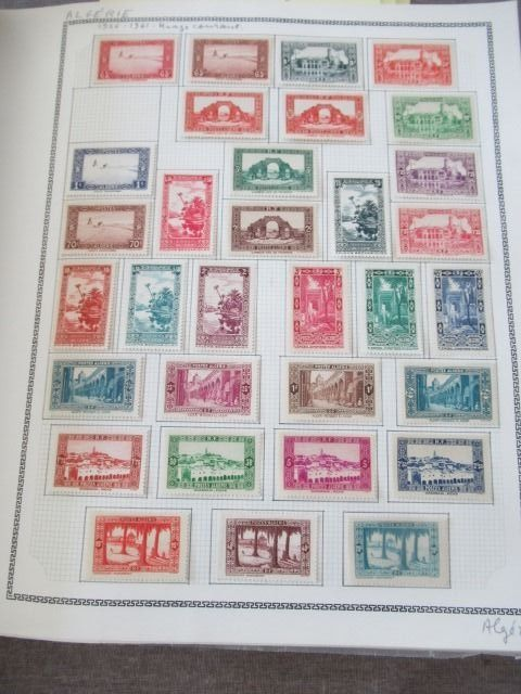 Algeria 1924/1958 - Virtually complete collection of stamps