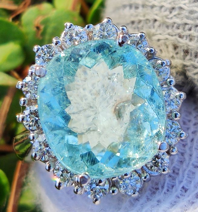 18 kt. White gold - Ring - 7.34 ct Paraiba Blue Tourmaline GIA *** No Reserve *** - Diamond
