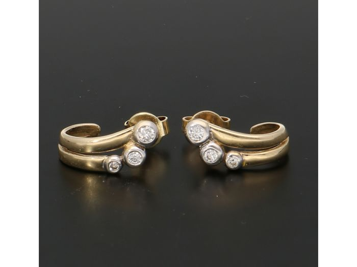 14 kt. Gold - Earrings - 0.16 ct Diamond
