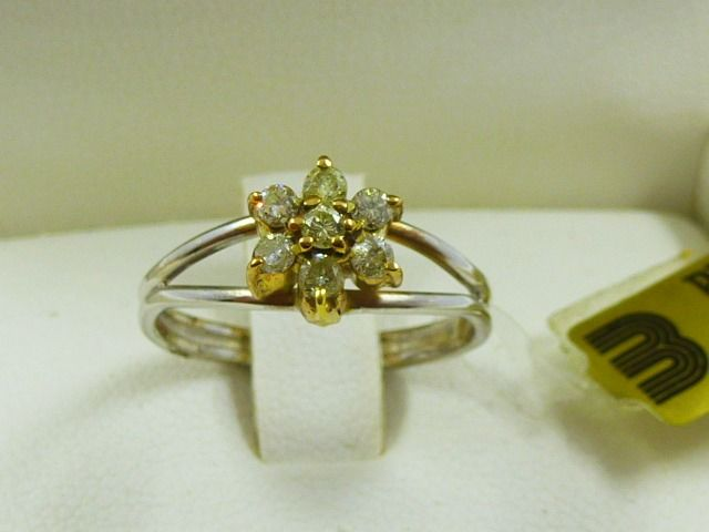 18 kt. Gold - Ring - 0.35 ct Diamond