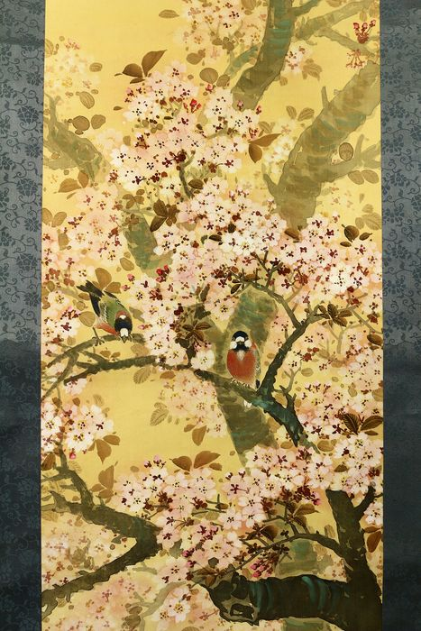Rouleau suspendu - Bois, Papier, Soie - Birds on sakura tree - With signature and seal 'Unsen' 雲仙 - Japon - 1910-1940 (période de Taisho à Showa)