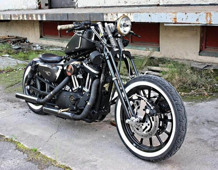 Harley-Davidson - 	XL883R - Custom - East Sally Customs - 883 cc - 2005