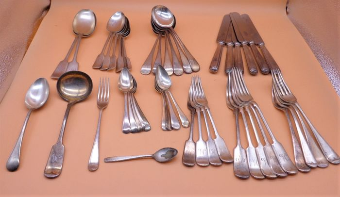 Cutlery set (47) - Silver plated - England - mid 20th century