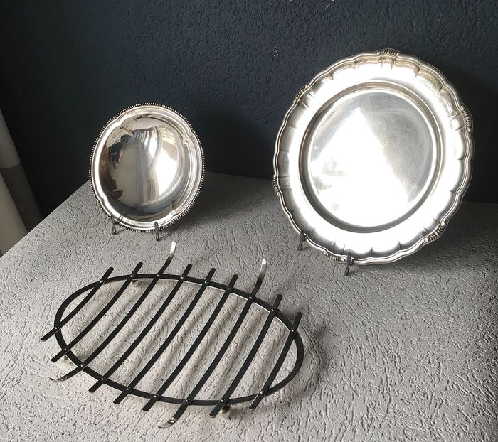 WMF - 2 Serving dishes & coaster - silver plated