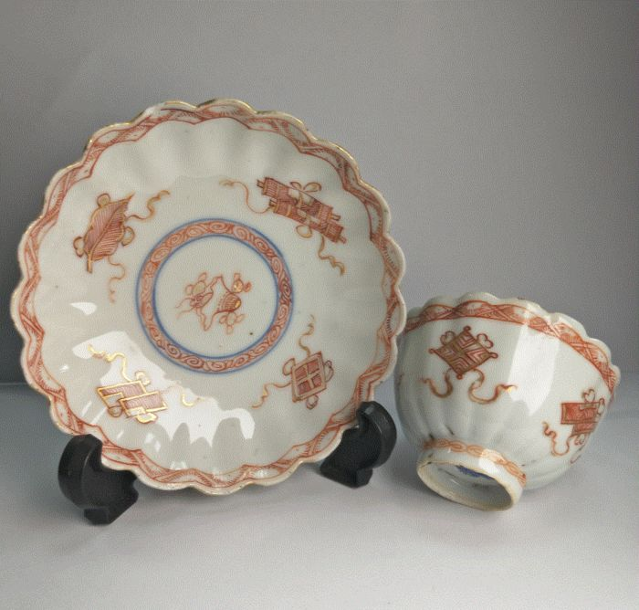 Untertasse, Teetasse (2) - Lron rot - Porzellan - 2 - China - Kangxi (1662-1722)