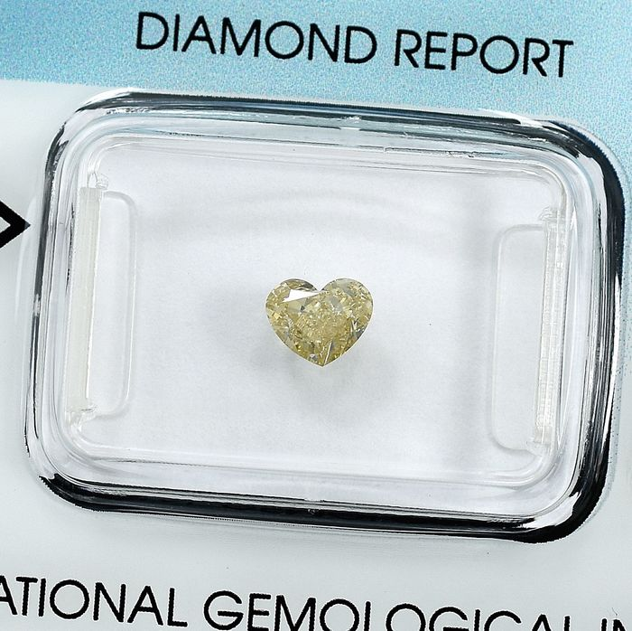 Diamond - 0.50 ct - Heart - W-X,Light Brown - Si1 - NO RESERVE PRICE
