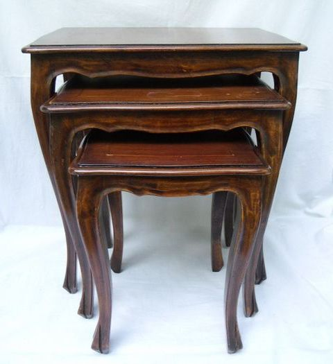 Nesting tables - Wood- Mahogany