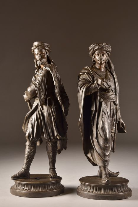 Sculpture, 2 impressive images of Oriental warriors (2) - Spelter - Second half 19th century