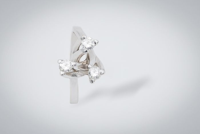 18 karat Hvitt gull - Ring - 0.60 ct Diamant