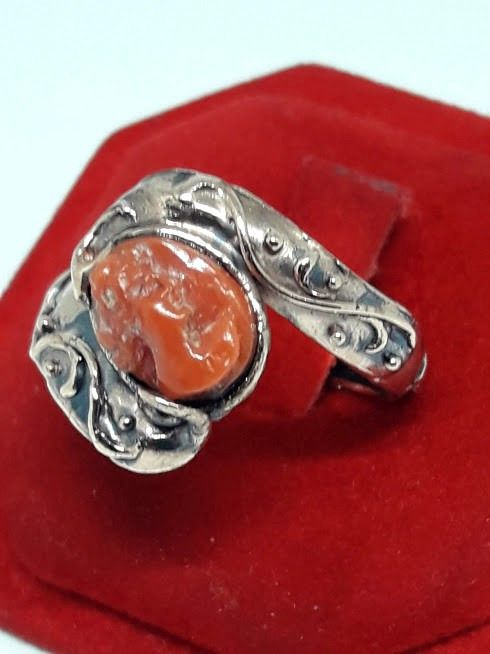 9 Kt Pink gold - Coral Cameo Ring - No Reserve Price Coral