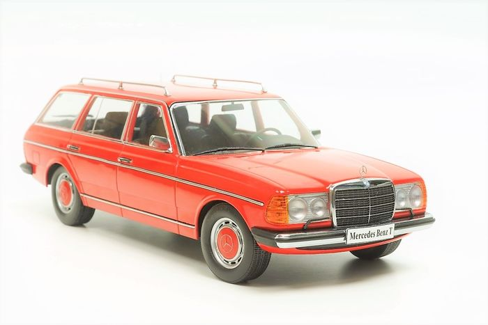 KK Scale - 1:18 - Mercedes-Benz 250 (S123) T-Modell 1978 Red