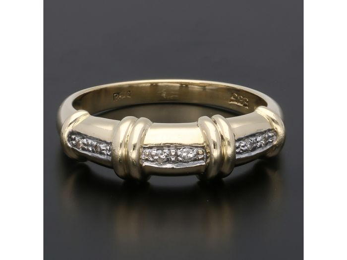 14 kt. Gold - Ring - 0.03 ct Diamond