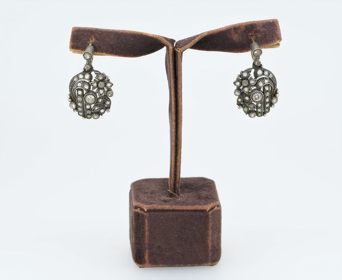 N/A - 19,2 kt. Silver, Yellow gold - Earrings - Diamonds